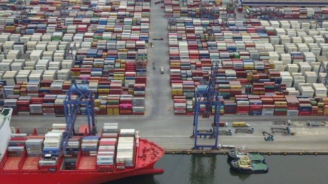 Movimentação de carga no Porto de Paranaguá foi recorde pelo terceiro ano seguido. Foto: Ivan Bueno/Arquivo/AEN
