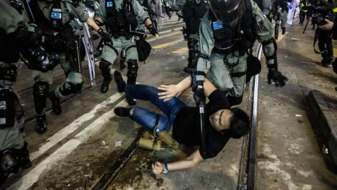 Virada de ano com protestos e prisões em Hong Kong