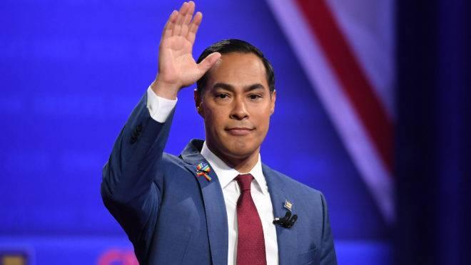 Democrata Julian Castro desiste de candidatura à presidência dos EUA