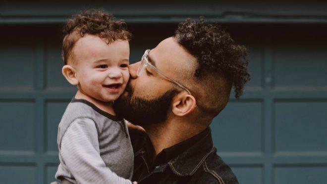 Uma paternidade ativa envolve uma presença de qualidade, com dedicação, afeto, amor e diálogo desde a notícia da gravidez até o fim da vida.