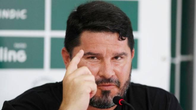 Barroca foi apresentado oficialmente no Coritiba nesta segunda-feira (6)