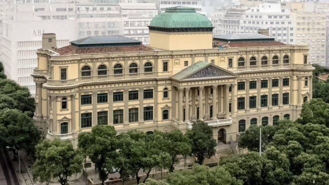 Fachada da Biblioteca Nacional, no Rio de Janeiro