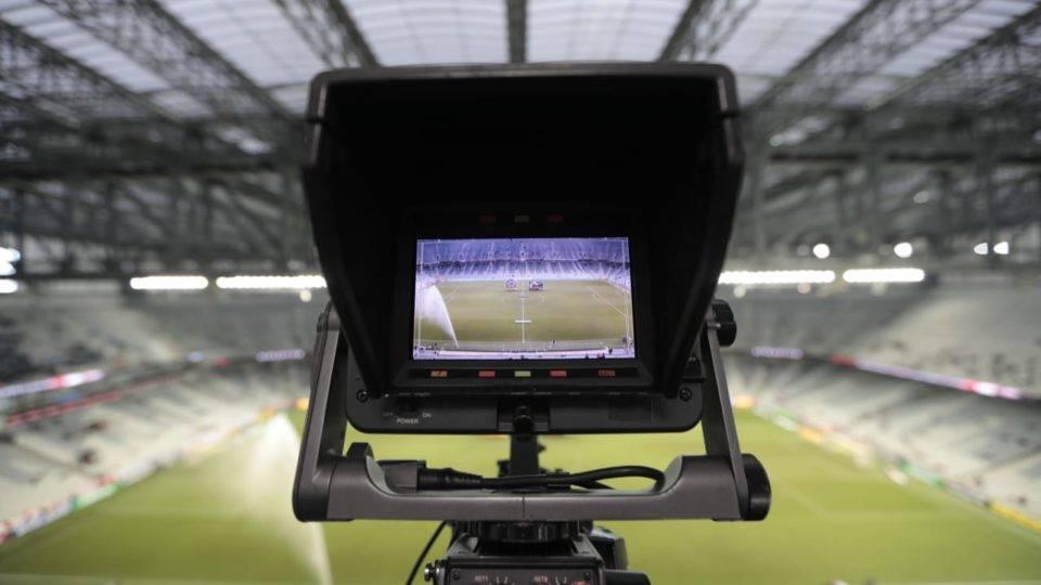 Globo suspende pagamentos a Estaduais e clubes cogitam retorno mais rápido