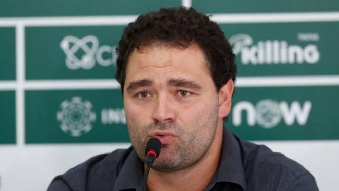 """Samir Namur prometeu """"reforços de aeroporto"""", mas Coritiba vem tendo dificuldades no mercado da bola"""