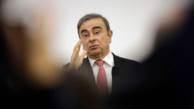 Ex-todo-poderoso da aliança Renault-Nissan em coletiva de imprensa no Líbano