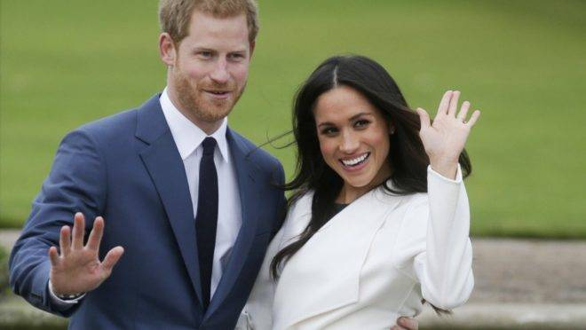 O príncipe Harry e sua esposa Meghan Markle em foto de novembro de 2017. O casal anunciou que vai se afastar de suas funções como membros da família real britânica