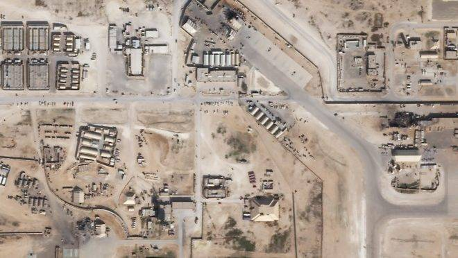 Imagem de satélite mostra a base aérea de Ain Al-Asad, no Iraque, após ataque de mísseis do Irã, 8 de janeiro de 2020