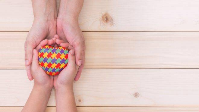 Presidente Bolsonaro sanciona lei que cria carteirinha nacional para pessoa com espectro autista