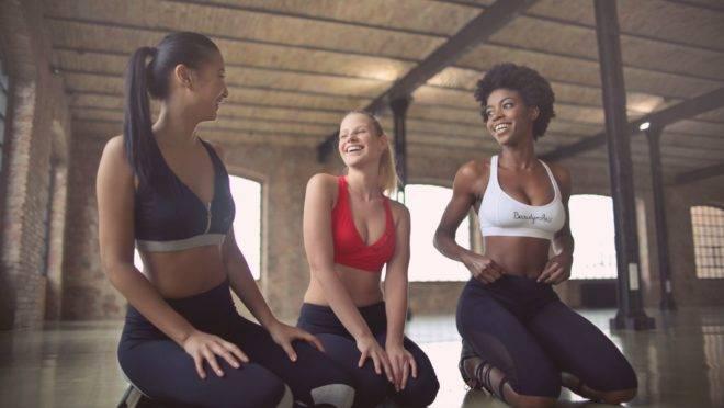 Ter a companhia de familiar ou amigo estimula a permanência nos exercícios