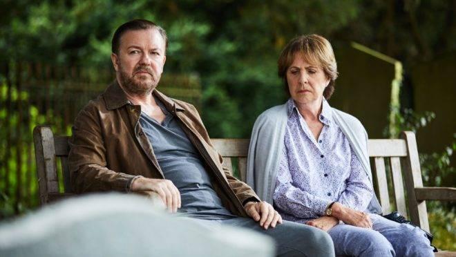 """Ricky Gervais em cena da série """"After Life"""", da Netflix."""