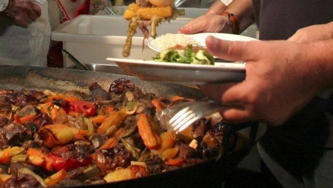 Carneiro no Buraco é o prato típico de uma das festas do quiz