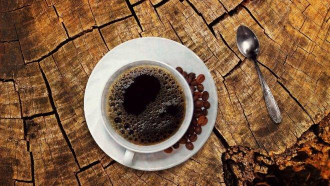 Ao redor do mundo, mais de dois bilhões de xícaras de café são bebidas diariamente e mais de 125 estão envolvidas com a indústria do café.