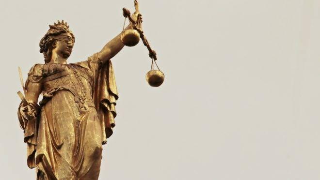 Uma decisão de um tribunal francês sobre o assassinato de Sarah Halimi por um usuário de drogas pode criar um precedente assustador.