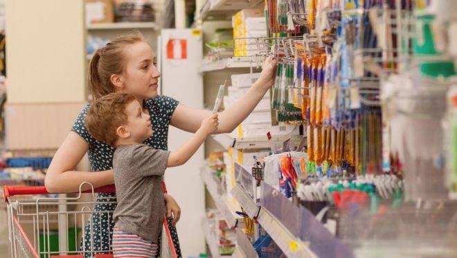7 dicas para os pais economizarem na hora de comprar material escolar