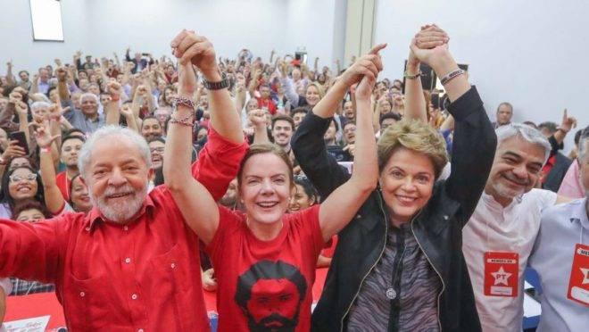 Lula, Gleisi Hoffmann e Dilma Rousseff em reunião do diretório nacional do PT em novembro de 2019.