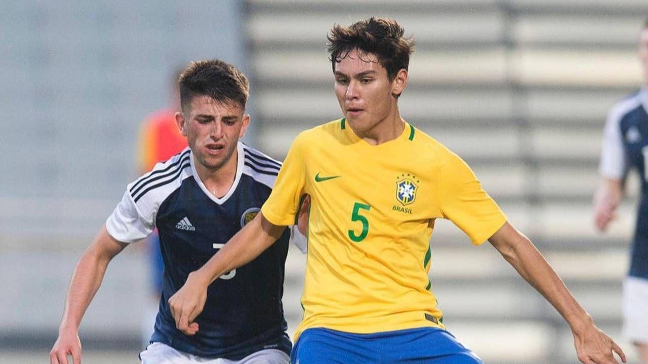 Gabriel Kazu jogou nas categorias de base da seleção. Foto; Reprodução Facebook