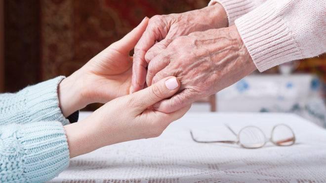 Política nacional de cuidado com os idosos deve ser criada