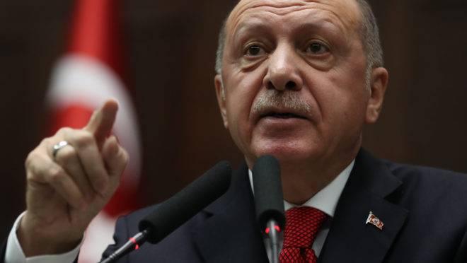 Presidente da Turquia, Recep Tayyip Erdogan: acusações e advertências contra general líbio Khalifa Hafter