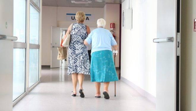 Esse público será atendido na seguinte ordem de prioridade: centenários, nonagenários, octogenários, septuagenários e sexagenários.