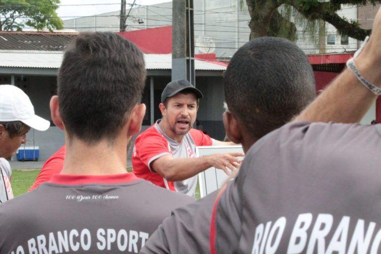 Tcheco é o técnico do Rio Branco. Foto: Divulgação/Rio Branco