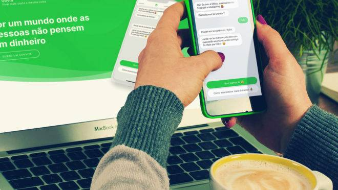 A assistente virtual Olivia usa inteligência artificial para ajudar o consumidor.