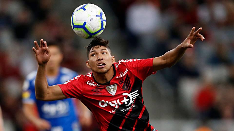 Athletico negocia transferência do atacante Rony com o Palmeiras