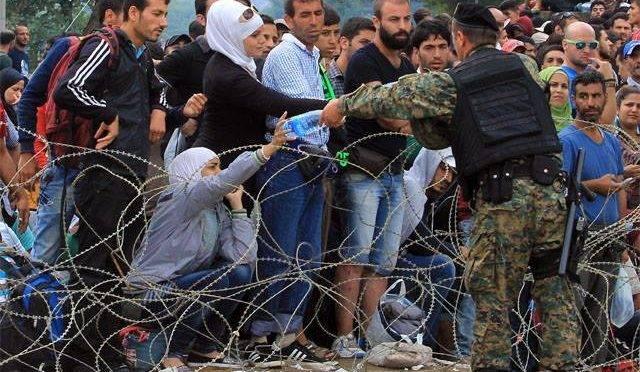 Refugiados chegam à Macedônia.