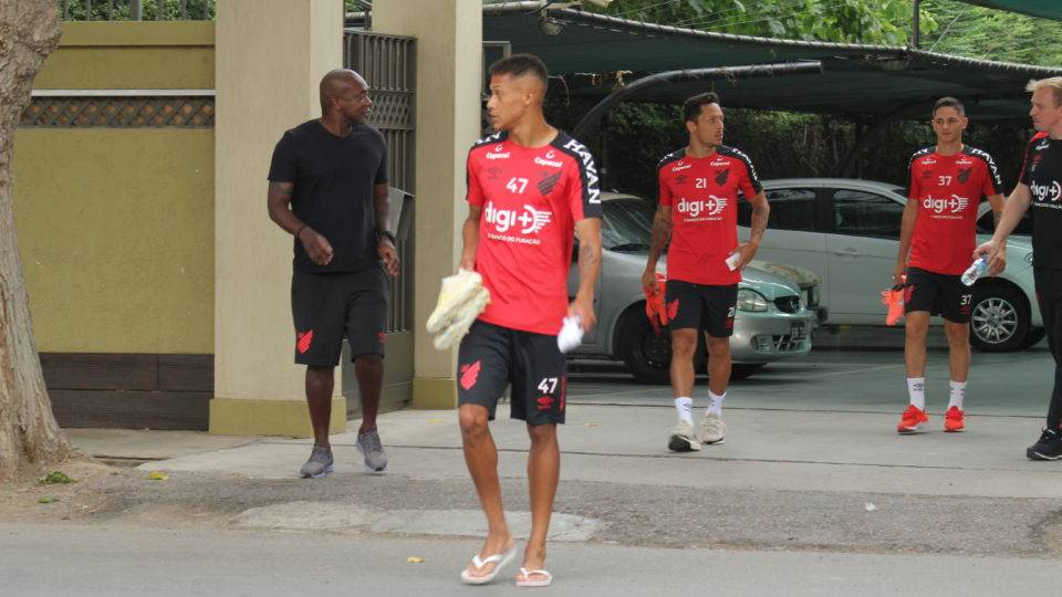 Dorival indica usar novamente time misto para enfrentar o Boca