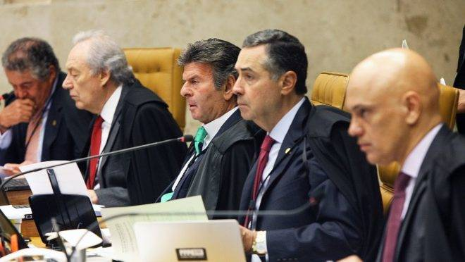 Julgamento de recurso extraordinário no STF que pode abrir brecha para o poliamor tem 5 votos favoráveis. Faltam votar os ministros Celso de Mello, Luiz Fux e Dias Toffoli.