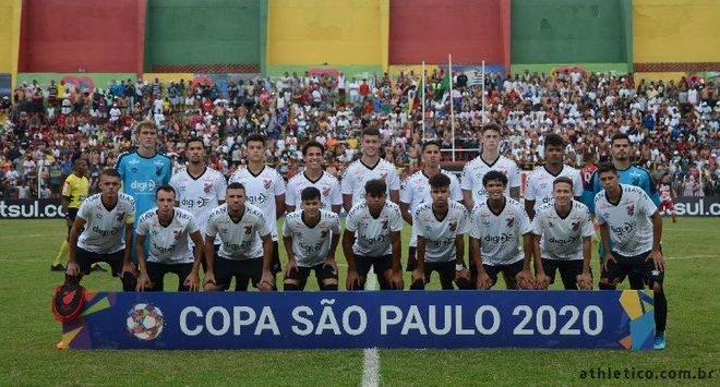 Athletico perde para o Corinthians e é eliminado nas quartas da Copinha 2020