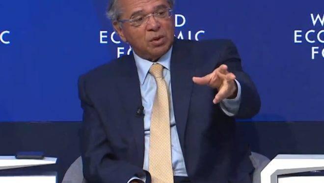 O ministro Paulo Guedes durante painel do Fórum Econômico Mundial, em 21 de janeiro de 2020.