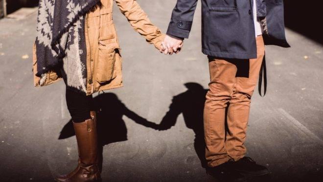 Saiba quais sinais demonstram que você está em um relacionamento por carência e não por amor