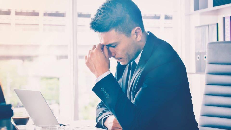 Empresas criam ações para prevenir doenças mentais entre funcionários