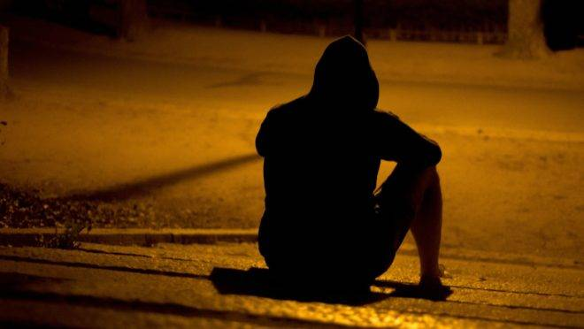 """Solitários e desprovidos dos valores """"burgueses"""", os jovens norte-americanos têm hoje as maiores taxas de suicídio e depressão da história."""