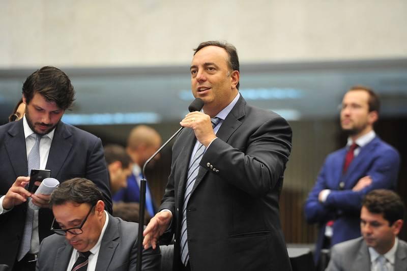 Pré-candidato a prefeito de Curitiba, deputado estadual Fernando Francischini (PSL) questiona necessidade da obra na Visconde de Guarapuava