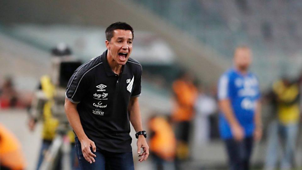 Athletico: Eduardo Barros elogia integração com Dorival e time principal