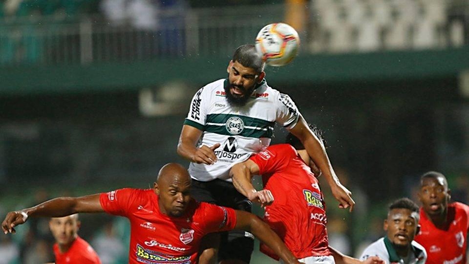 Coritiba sai perdendo, mas empata com o Rio Branco no Couto com gol de estreante