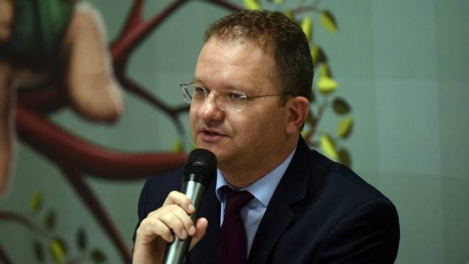 """O secretário de Alfabetização do Ministério da Educação, Carlos Nadalim, diz que o Programa de Alfabetização Escolar será """"bastante robusto""""."""