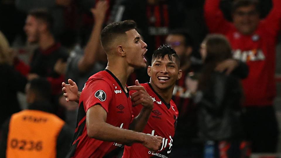 Lyon e Atletico desejam B. Guimarães; Palmeiras e Corinthians, Rony. São os capítulos finais?