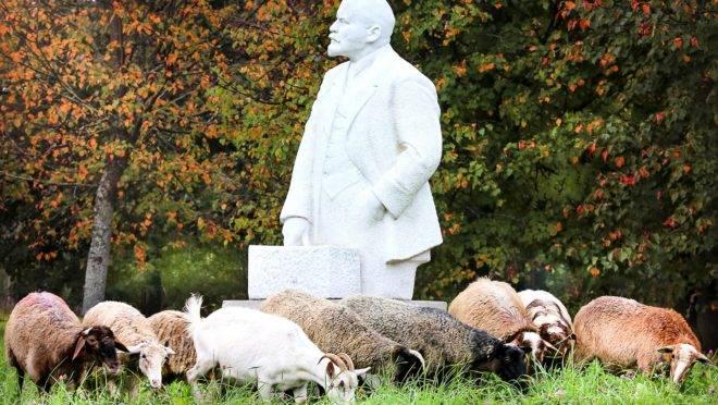 Lobo em pele de cordeiro: em seu pouco tempo à frente da Revolução Russa, o bolchevique foi o responsável direto ou indireto pela morte de centenas de milhares de inocentes.