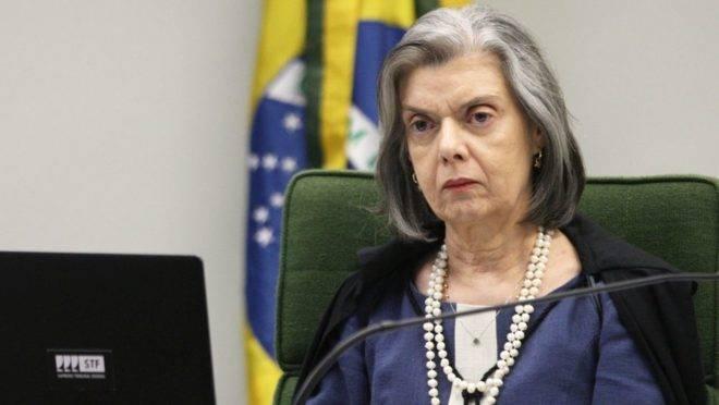 A ministra do STF Cármen Lúcia.