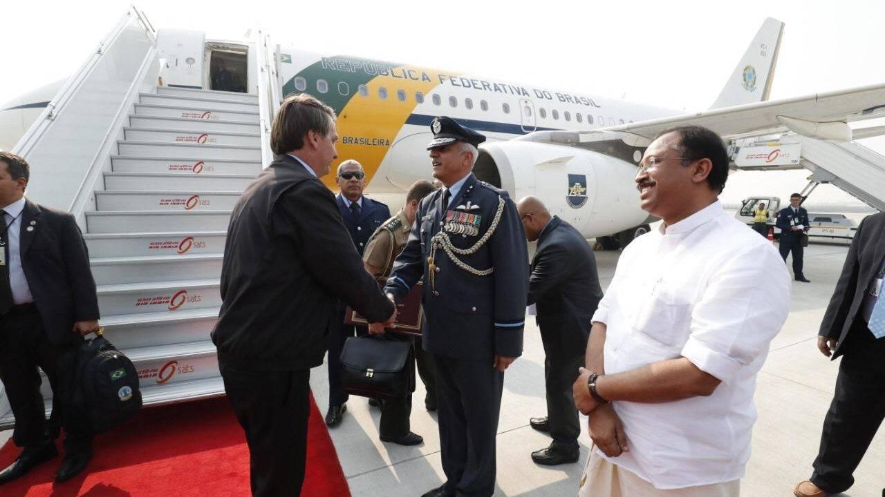 Presidente Jair Bolsonaro deixa a Índia