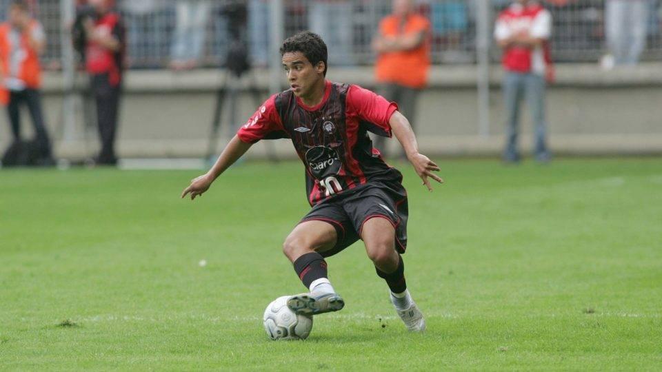 Revelado no Athletico, Jadson afirmou que nunca jogaria no Coritiba