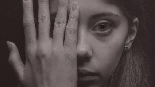 O prazer com múltiplos parceiros afeta a autoestima do adolescente e prejudicam sua capacidade de estabelecer relacionamentos sólidos