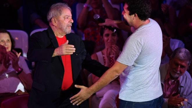 Lula instigou Boulos a invadir o tríplex. E foram denunciados por isso