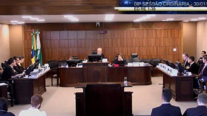 Sessão de julgamento do TRE-PR nesta quinta-feira (30).