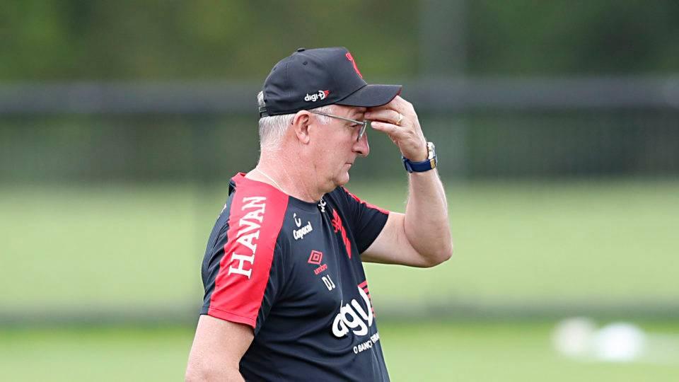 Em busca de reforços, Athletico corre para inscrever elenco para Libertadores