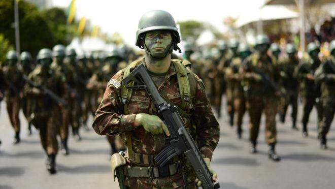 Quem é quem na hierarquia militar das Forças Armadas do Brasil