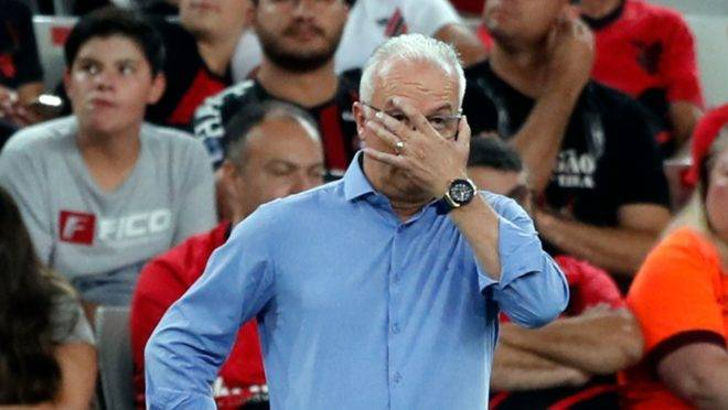 Dorival comandou seu primeiro jogo oficial pelo Athletico