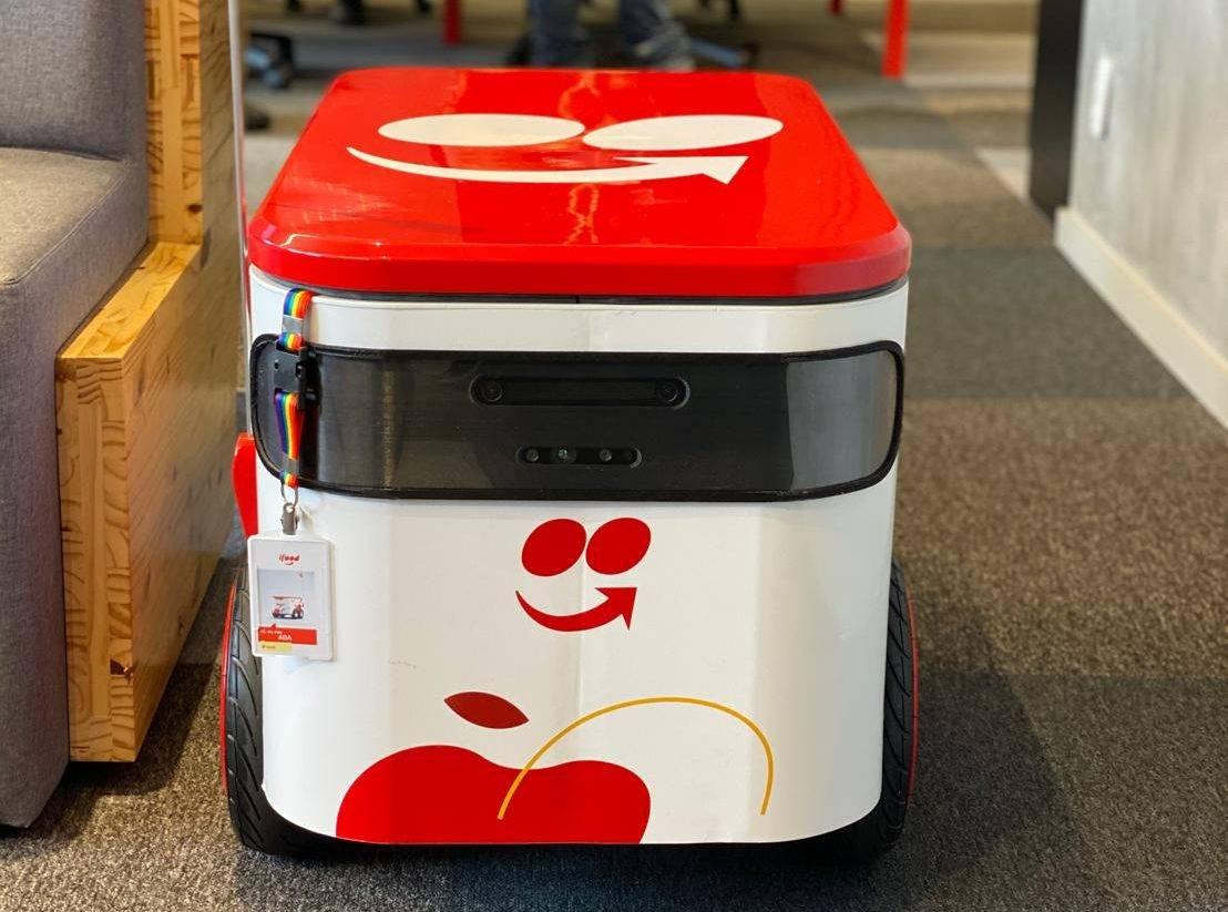 Chamado de ADA, O robô do iFood está em testes na sede da startup em Osasco (SP). Foto: Reprodução/LinkedIn